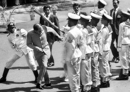 tamil-tigers-surrender-ra-015