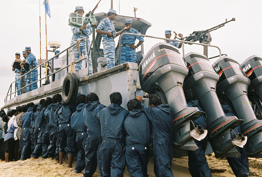 Fighting-boat-of-sea-tigers-1