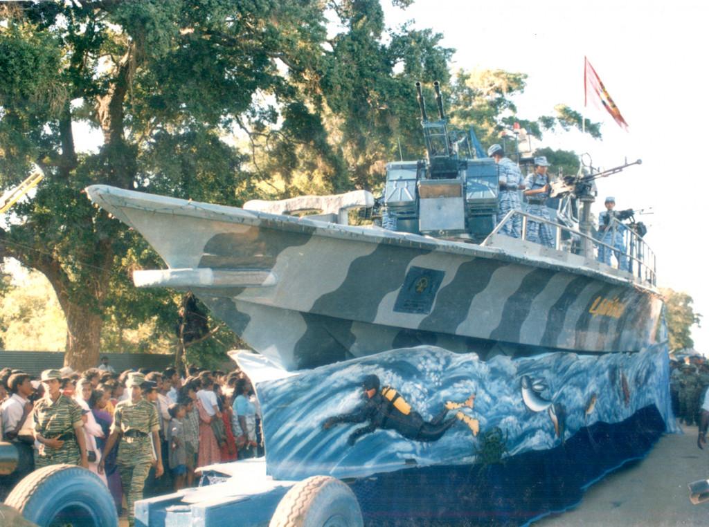 Fighting-boat-of-sea-tigers-31